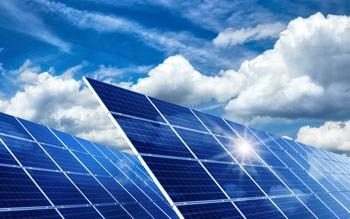 Photovoltaik in der Sonne